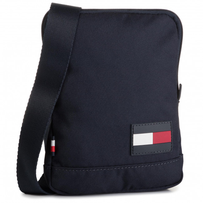 64d0986c Bandolera TOMMY HILFIGER - Tommy Core Compact Crossover AM0AM05287 CJM